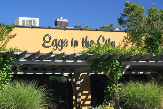 Front face of the Eggs in the City breakfast restaurant building in salt lake city