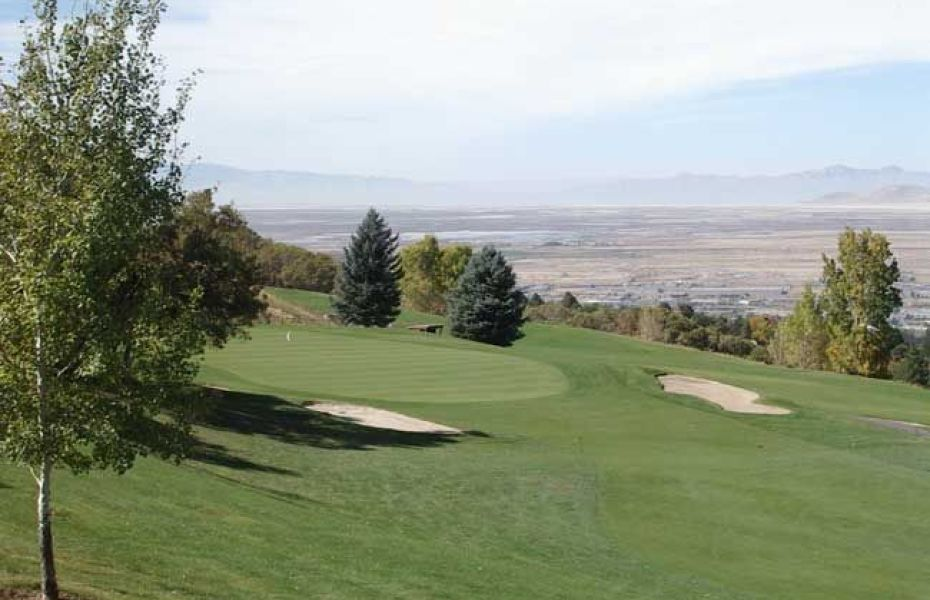 Bountiful Ridge Golf Course has beautiful valley views and a challenging mountain style course.